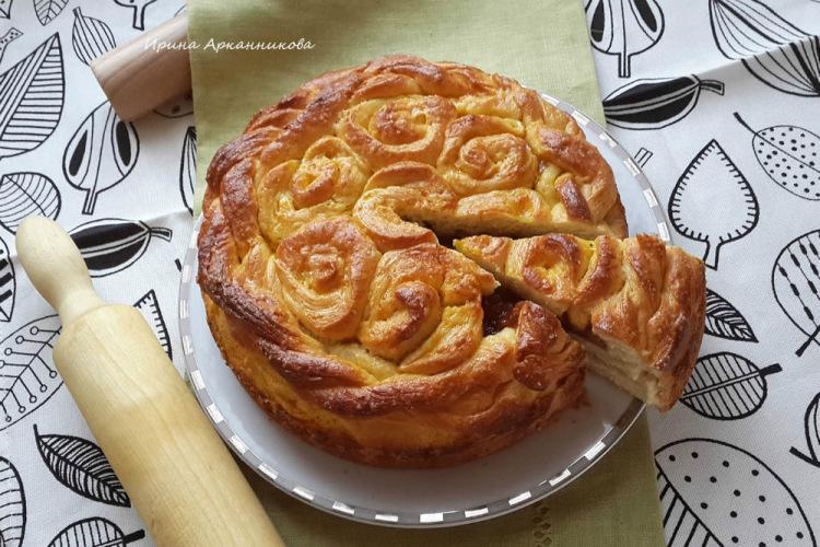 Пироги с яблочным вареньем с