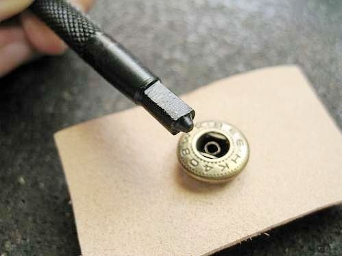 Как снять заклёпку в домашних условиях